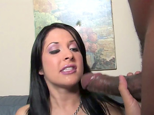 Hot Chelsie Rae Gets Fucked In Interracial Threesome
