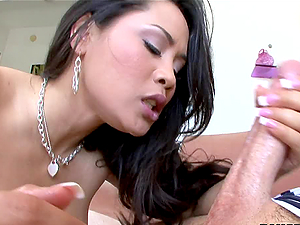 Sexy fine body Asian slut likes to blowjob
