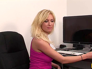 Blonde Chick Victoria White Gives a Fuck Her Boyfriend in the Office