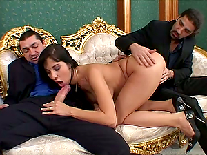 ELASTIC ASSHOLE SHE HAS AS IT GETS GAPED BY TWO TOOLS
