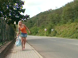 A SLUTTY BLONDE TEEN GETS POUNDED IN PUBLIC BY AN OLDER DUDE